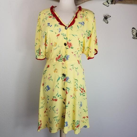 ec5015b49b8 Zoe Vintage 80 s 90 s yellow floral sundress. M 5b3c58f861974558dc73d9aa